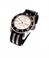 Diver White Shark 44 WH/BLK-WH/Black